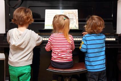 Norwegische Kinderlieder mit deutscher Übersetzung