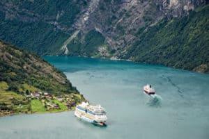 Kreuzfahrschiffe im Geirangerfjord